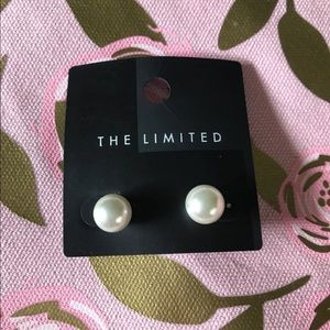 The Limited white pearl stud earrings NEW